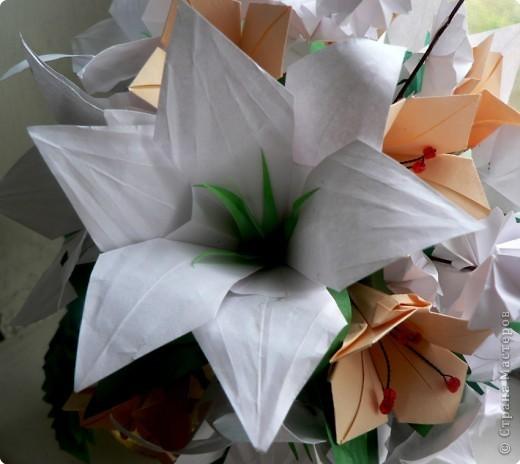 Из бумаги цветы лилии